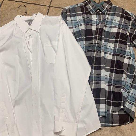 2 men's Cinch shirts
